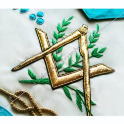 tablier, rite français, symboles maçonniques, équerre compas, acacias, triangle, G, satin blanc