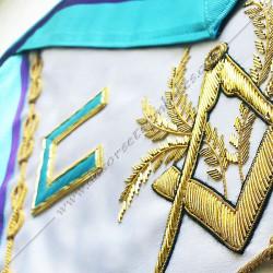 symboles, lettres maçonniques, memphis, équerre, compas, acacia, lac d'amour brodés au fil d'or, décors FM