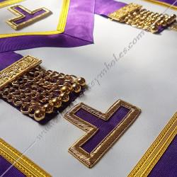 pendeloques, tablier, rite Memphis Misraim, violet, doré, decors, symboles maçonniques, T, Taus dorés,  RMM, FM