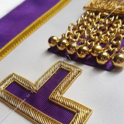 pendeloques, tablier, rite Memphis Misraim, turquoise violet,  decors, symboles maçonniques, T, Taus dorés,  RMM, FM