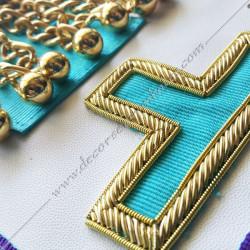 pendeloques dorées, symboles rite memphis misraim, loges bleues, décors maçonniques, bijoux, vénérable