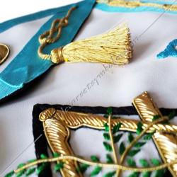 tablier de véné, décors de maitre, symboles, lac amour, pompons, broderies or, qualité, RF bleu turquoise, acacia