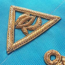 Symboles et signes maçonniques, triangle, RMM, croix d'Ankh, oeil d'Orus, équerre compas et acacia. Décors FM