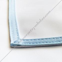 TRE075C-tablier-maçonnique-compagnon-rite-regime-ecossais-rectifié-decors-franc-maconnerie-bleu-cocardes-symboles-fm-gants