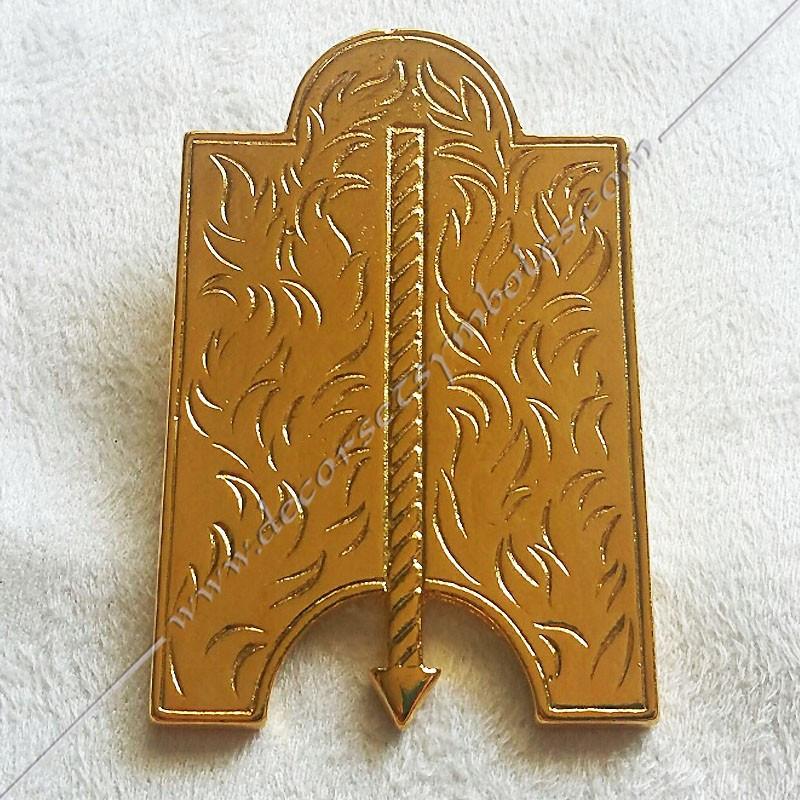 FGK 115- Bijou  de loge maçonnique, officier 1er surveillant, doré or fin  24, décors, symboles maçonniques, doré, sautoir
