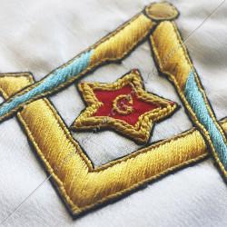 Décors maçonniques, tablier de vénérable du rite français moderne, équerre, compas, étoile, G, brodés