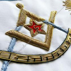 Décors maçonniques, tablier de vénérable du rite français traditionnel, équerre, compas, étoile, G, brodés