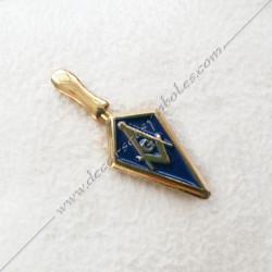 PIN017- pin's truelle maçonnique. Décors, symboles équerre et compas maçonniques. Bijoux de franc maçonnerie