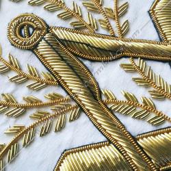 tablier maçonnique de véné du rite français, décors franc-maconnerie, branche, feuilles, acacia dorées, équerre compas