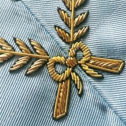 Trésorier, sautoir d'officier du rite français moderne, acacia, décors maçonniques, bijoux, franc maçonnerie, loges bleues, RFM