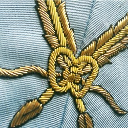 Secrétaire, sautoir d'officier du rite français moderne, acacia, décors maçonniques, bijoux, franc maçonnerie