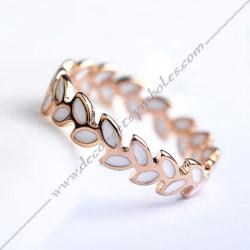 BFM011- bague-maconnique-bijoux-loges-or-email-cadeaux-femmes-franc-maconnerie- feuille-branche-acacia-mode