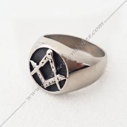 chevaliere-bague-maconnique-acier-argent-noire-equerre-compas-bijoux-loges cadeaux-franc-maconnerie-rites-FM