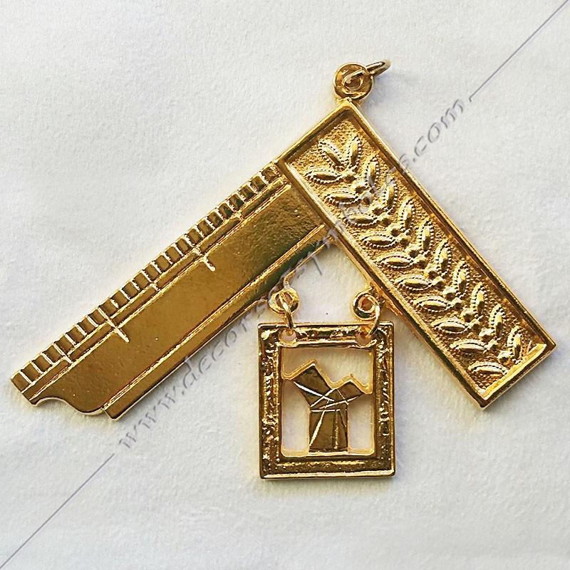 FGK105-bijou-maconnique-venerable-passe-maitre-honneur-equerre-pythagore-decors-franc-maconnerie-fm