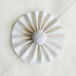 ACC022-cocardes-maconnique-blanche-rite-regime-ecossais-rectifie-rer-rosettes-decors-accessoires-bouton-blanc-fm