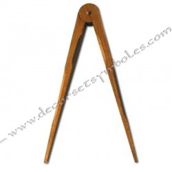 OUT030-compas-maconniques-autel-bois-articule-decors-symboles-outils-loge-ateliers-fm