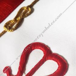 Tablier maçonnique, décors, lac d'amour, broderies, rouge, franc maçonnerie, REAA, loges bleues, symboles rouges