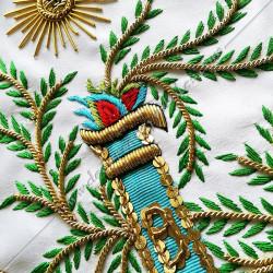 Tablier Vénérable Maitre du REAA. Mozart. Décors franc-maconnerie, équerre, compas, feuilles acacia, soleil, temple, bijoux or