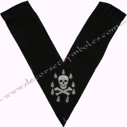 dos noir, crane, sautoir officier, bijoux de loges, or, rite français, décors maçonniques, franc maçonnerie, couvreur