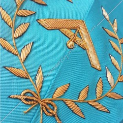 Premier surveillant, sautoir du REAA décors maçonniques, broderies, bijoux or, acacia, franc maçonnerie